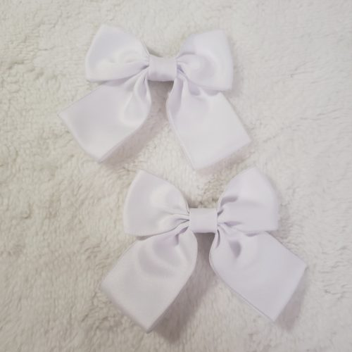 white bow set
